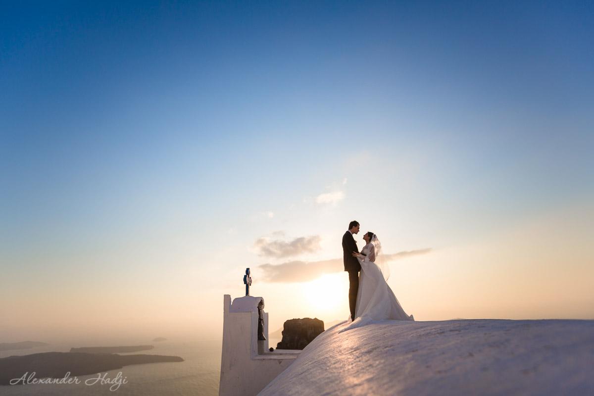 Santorini wedding sunset photo shoot