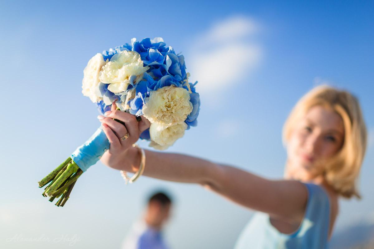 Santorini wedding flowers