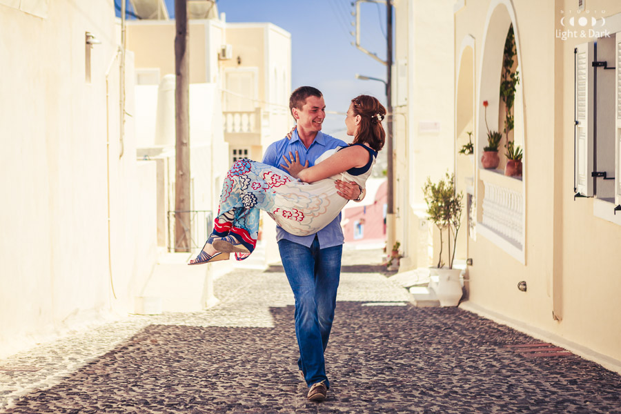 Love story photo in Santorini Greece by Alexander Hadji