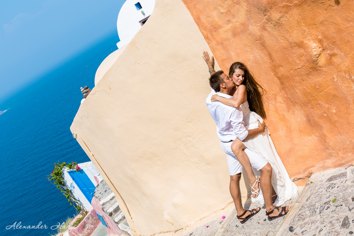 Romantic photo shoot Santorini