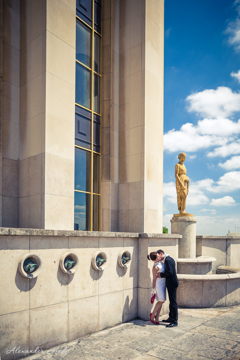 Paris romantic couple photography