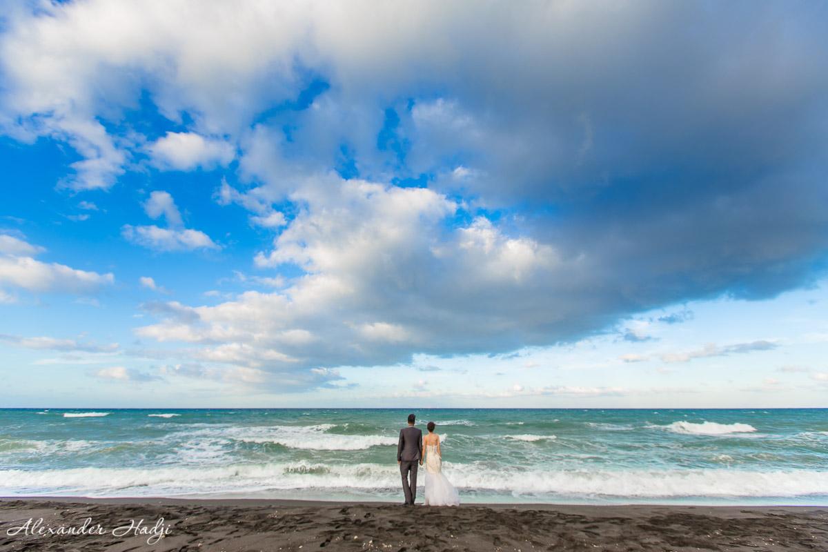 Santorini pre wedding photoshoot