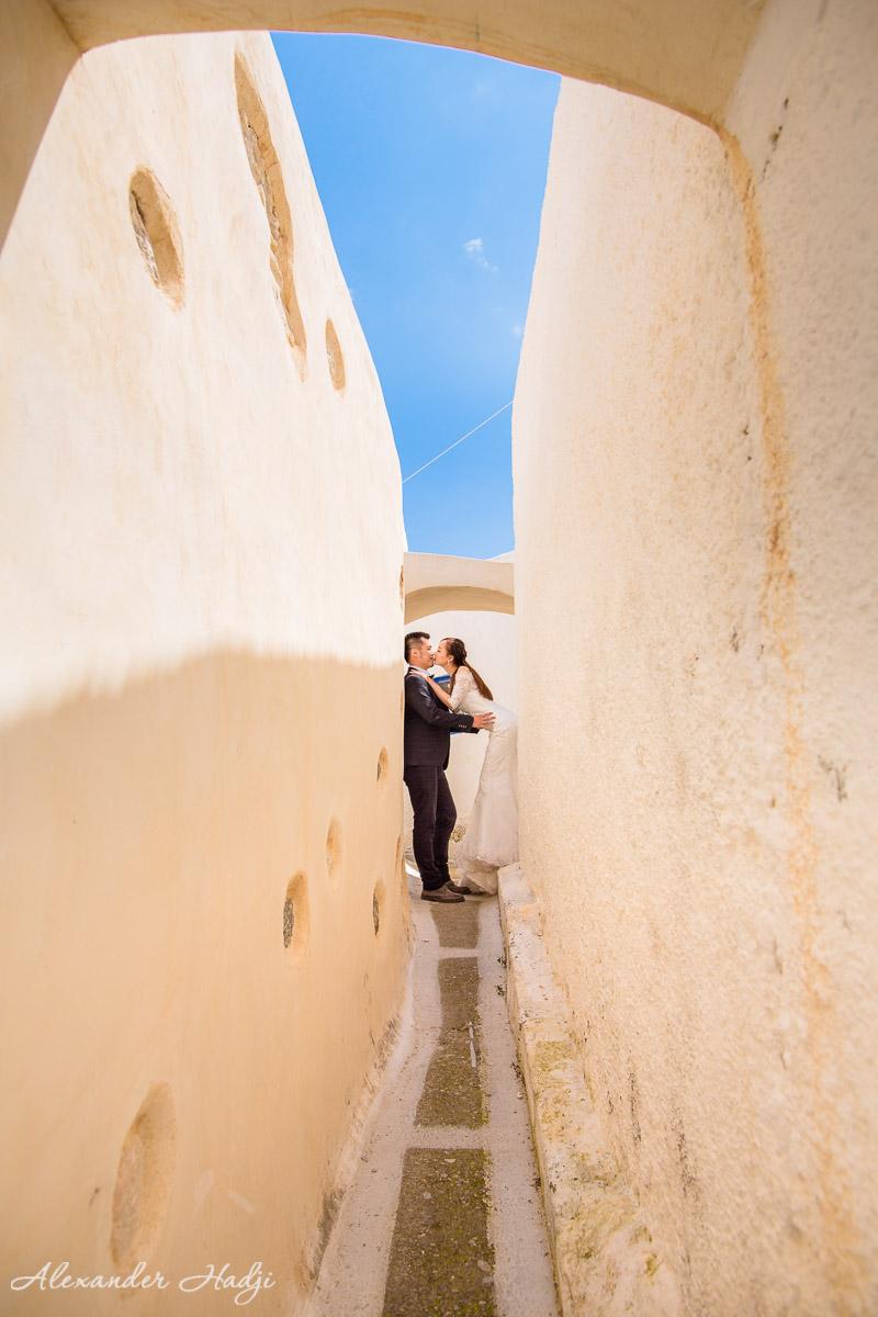 Santorini engagement photographer