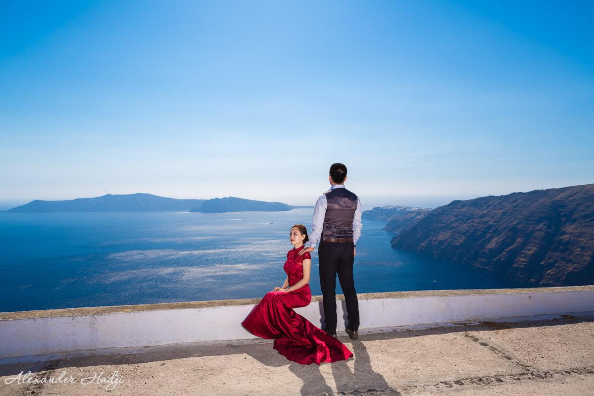 Santorini engagement photo shoot