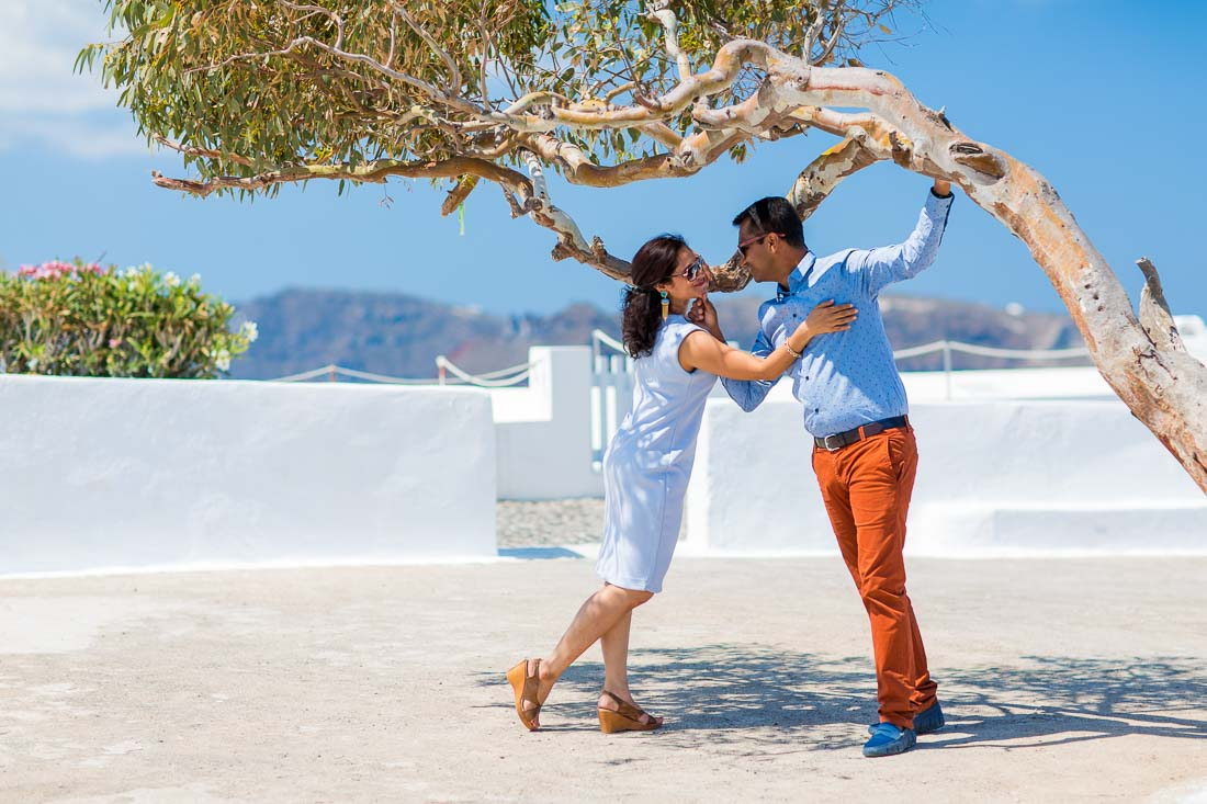 Santorini anniversary photo shoot
