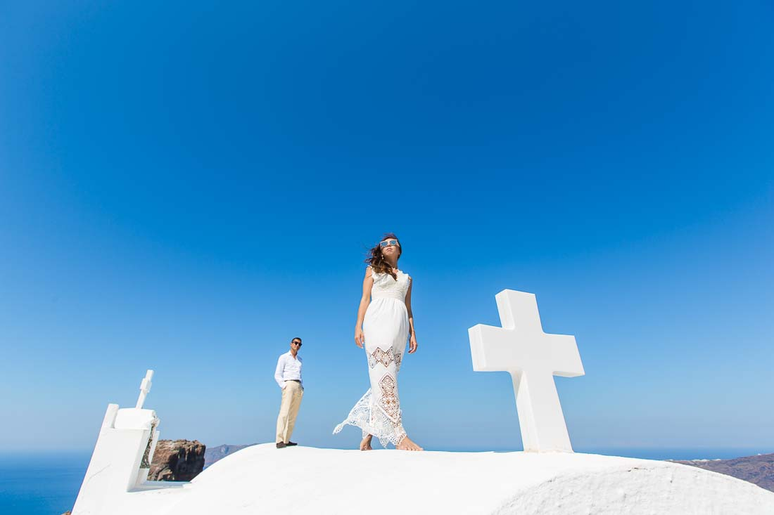 Santorini pre-wedding photographer Imerovigly